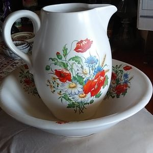 Wow! Fabulous McCoy wash basin and pitcher